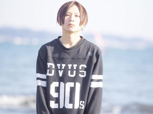 藤原亮LILY メンバー板倉