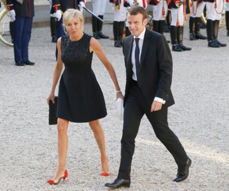 マクロン大統領 妻