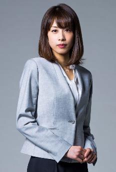 ブラックペアン加藤綾子 スーツグレー