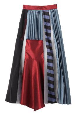 獣になれない私たち新垣結衣ガッキー衣装 柄物スカート